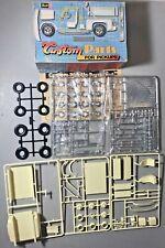 REVELL CUSTOM PARTS FOR PICKUPS MODEL H-1261 (1977)