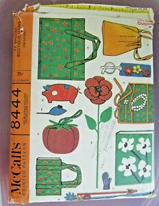 Vintage McCalls Sewing Pattern 8444 Bazaar Boutique Items, Copyright 1966