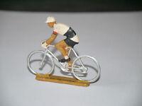 FIGURINE STARLUX CYCLISTE TOUR DE FRANCE MAILLOT ET CASQUETTE BLANCHE