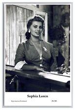 Sophia Loren (C) Swiftsure Postcard year 2000 modern print 20/88 glamour photo