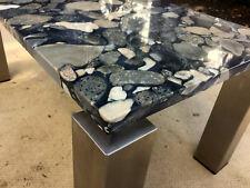 Couchtisch Marmortisch mit Edelstahlgestell mit Granitplatte Kieseloptik Stein