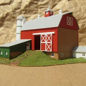 DETAILED ~ CLASSIC BARN ~ RETIRED by Model Power ~ Mayhayred Trains N Scale Lot