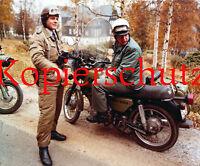J117 Pressefoto Grenztruppen und VoPo DDR mit MZ ETZ 250 Michna ca. 20 x 24 cm