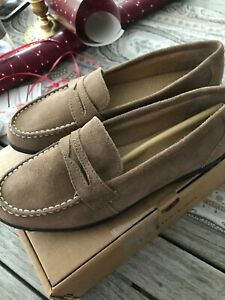 Lands' End Womens light brown  Slip On Penny Loafers  suede Size 7.5 B lgt. bark