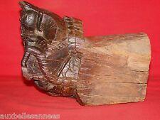 ANCIEN BOIS DE CHAI SCULPTÉ D' UNE TETE DE CHEVAL / SCULPTURE CAVE VIN