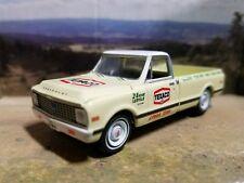 Custom 1/64 CHEVROLET CHEYENNE 1968-72 farm Texaco Chevy truck DCP  Greenlight