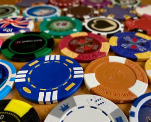 Set of 10 RANDOMLY Selected GOLF BALL MARKERS Chip Set Lucky Dip POKER CHIPS
