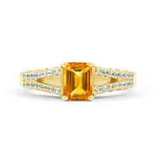 Anelli di lusso smeraldo in oro giallo