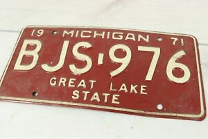 Vintage 1970's 1971 Michigan License Plate BJS-976 Expired Great Lakes State Red
