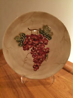 Tabletops Unlimited Cabernet scalloped Rippled Red Grape 11.25 Dinner Plate EUC