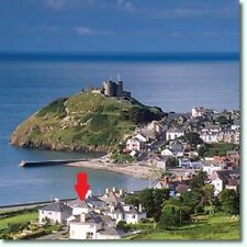 Self catering holiday Wales CRICCIETH overlooking BEACH Snowdonia, shops, cafes