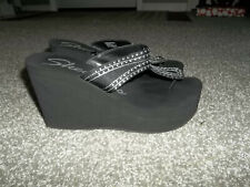 SKECHERS PREOWNED BLACK WITH SILVER STUD DESIGN WEDGE SANDALS WOMENS SIZE 8