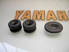 3x New xs500 xs650se 80-Rubber mounting grommets left or right side panel cover
