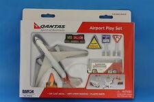 Brand New Qantas Toy Airport Play Set Die Cast metal Boeing 787
