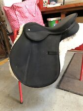"16"" Black Medium Wide Fitting Sythetic Saddle"