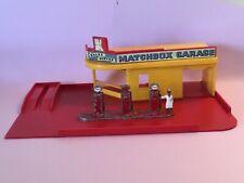 Lesney Matchbox Garage Showroom Sales Service MG-1 w/ pump (#SRpurp3)