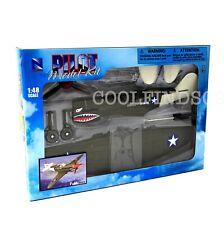 Curtiss P-40 Warhawk World War II Fighter Plane New-Ray Classic 1:48 Model Kit