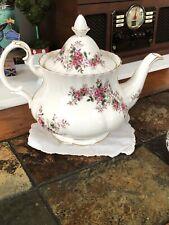 Vintage Royal Albert LAVENDER ROSE 44 Ounce Large Teapot