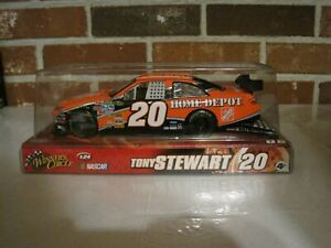 2008 NASCAR WINNER'S CIRCLE #20 TONY STEWART 1:24 SCALE HOME DEPOT--NEW