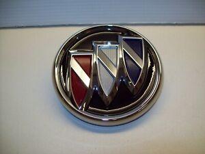 2017 2018 2019 Buick LaCrosse Decklid Release/Tri-Shield Emblem OEM# 90802069