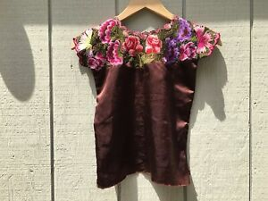 Girl's Handmade Hand Embroidered Traditional Mexican Blouse - Size Medium (5/6)