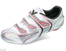 Zapatillas y cubrezapatillas de ciclismo rojo