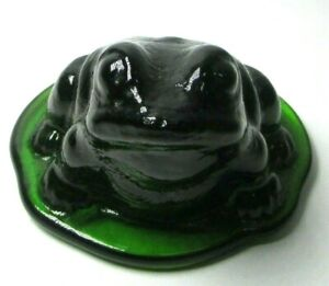 Viking Studio Glass Green Sitting Frog Bullfrog Lilypad Figurine Paperweight
