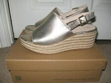 Stunning Unisa Pale Gold Leather Wedge  Sandals Size 7/8 (41)