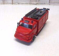 """A 21 ) camion MERCEDES pompier """"WIKING"""" pour train electrique ECH HO 1/87"""