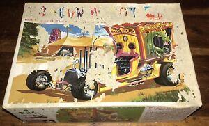 ULTRA RARE 1969 Tom Daniels Monogram Dragon Wagon Show Rod Model Kit UNBUILT!