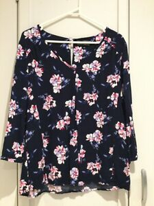 LADIES DRESSY TOP, JACQUI E, SZ 14, NAVY WITH FLORAL PATTERN, EXC COND