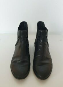 House of Harlow Boots Size 36.5