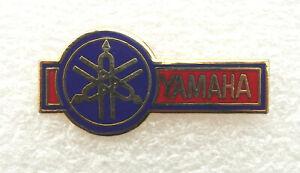 YAMAHA MOTORCYCLE ENAMEL LAPEL PIN BADGE. 32x15mm. BUTTERFLY PIN FIXING.