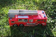 Hasbro Micro Machines De Secours Camion de pompiers ville avec sirène/lumière