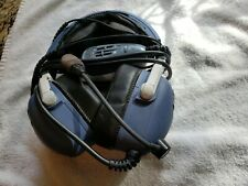 Aviation headset noise cancelling