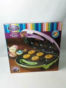NEW Nostalgia Electronics Mini Donut Bakery MDM600