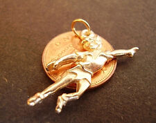 LOVELY 9K 9CT  GOLD '  PETER PAN  '  CHARM CHARMS