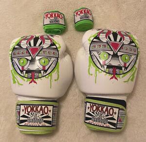 YOKKAO MUAY THAI MMA Snake gloves 14 OZ