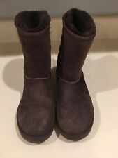 Brown Uggs Size 8 .......FREE SHIPPING