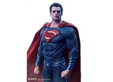 Batman v Superman: Dawn of Justice 1/10 Scale Superman Statue by Iron Studios