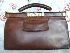 Ladies Vintage 1930s / 40s Gladstone-style tan leather handbag. British Made.