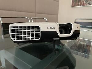 Epson VS200 LCD Projector