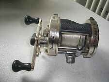 SHAKESPEARE SILVER CAST SKP2000S LEVEL WIND CASTING REEL