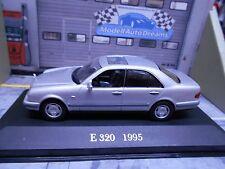MERCEDES BENZ 320E 320 E Klasse W210 silber Limousine 1995 IXO Altaya SP 1:43