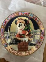 "Disney 3 D ENESCO Mickey Mouse Christmas 1997 ""Mickey in Chimney"" Plate 6.5"""