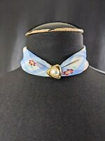 Lovely vintage replaceable GAP scarf necklace in pure silk with pendant