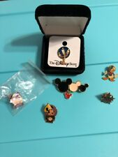 Lot of 6 Disney Pins  Dopey, Donald, Minnie, Lumiere, etc..