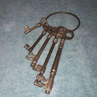 Large Bunch of Brass Skeleton Keys Set of 5 Decorative Antique style.Farmhouse