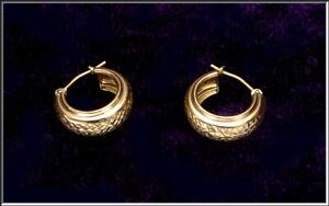Gorgeous Vintage JCM Bolivia 14K Yellow Gold Textured Hoop Earrings .98 Grams