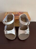 Sun San Salt Water Surfer White Sandals Girls Size 6